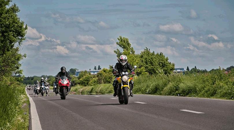 sfaturi-plimbare-motociclisti-incepatori