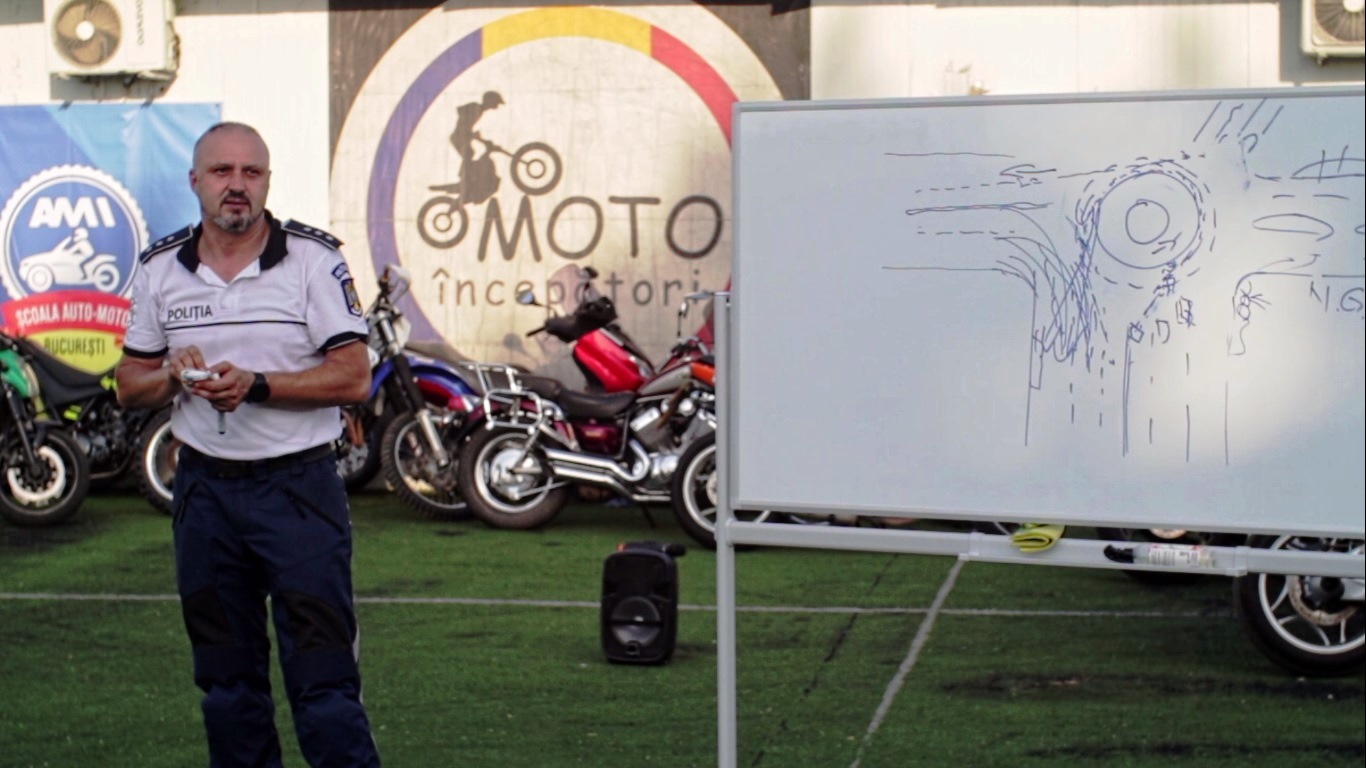 Curs conducere preventiva moto - scoala moto ami - moto incepatori (5)